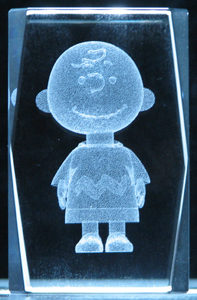 3-3d-laser-crystal-cube-charlie-brown-7